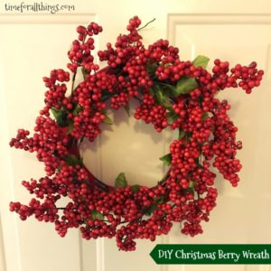 diy-christmas-berry-wreath